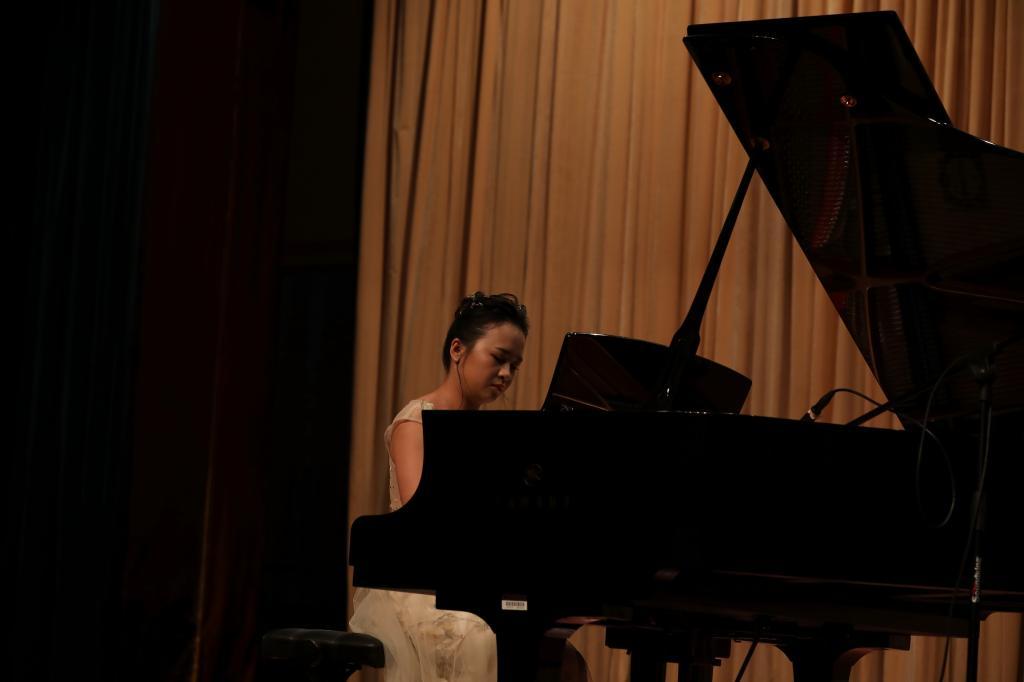 张嘉宝,詹雨琦,王凯君钢琴,萨克斯毕业音乐会成功举办